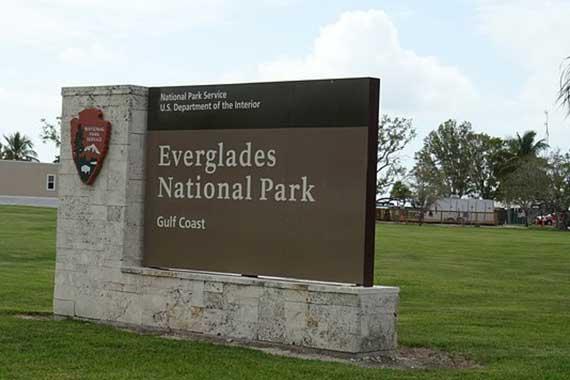 everglades-signage